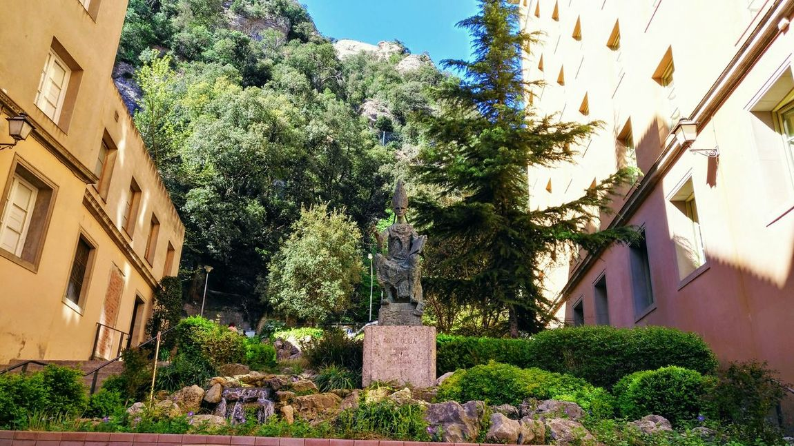 Plaza De L'Abat Oliba Montserrat Monastery Cataluña Spain No People Arts Culture And Entertainment Spirituality Catolicismo Religion Human Representation Outdoors Sculpture Tourism Architecture Day History