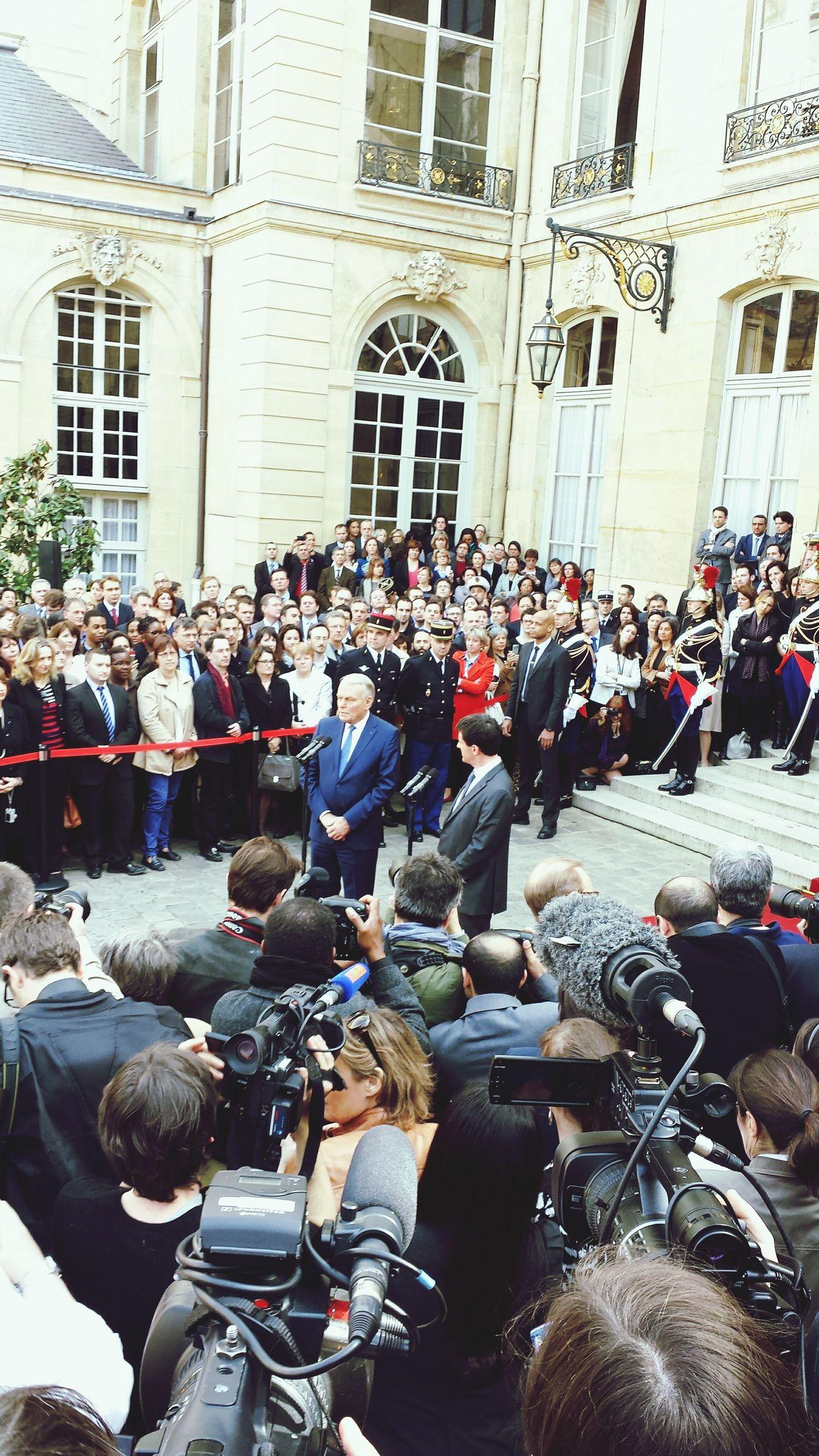 Un an pour Manuel Valls, Premier ministre à Matignon.