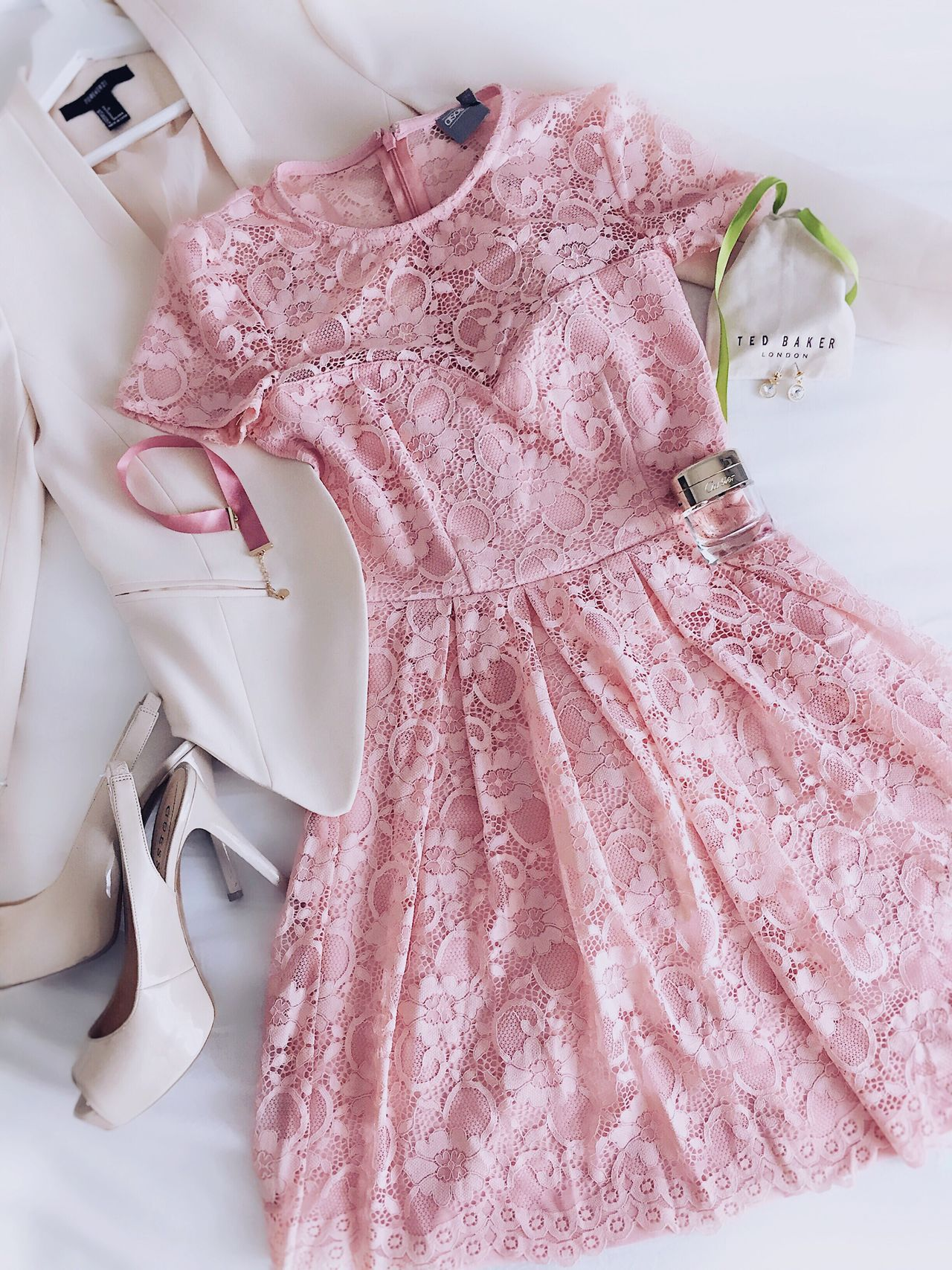 👗👗👗 Indoors  Fashion Pink Color High Angle View Directly Above Wedding Close-up Textile MyLook Ootd Outfit Flatlay On The Bed Fashionista Pink Dress Guess ASOS High Heels Summer Fashion Young Adult Womensfashion Style And Fashion Style Fashion Design Fashion