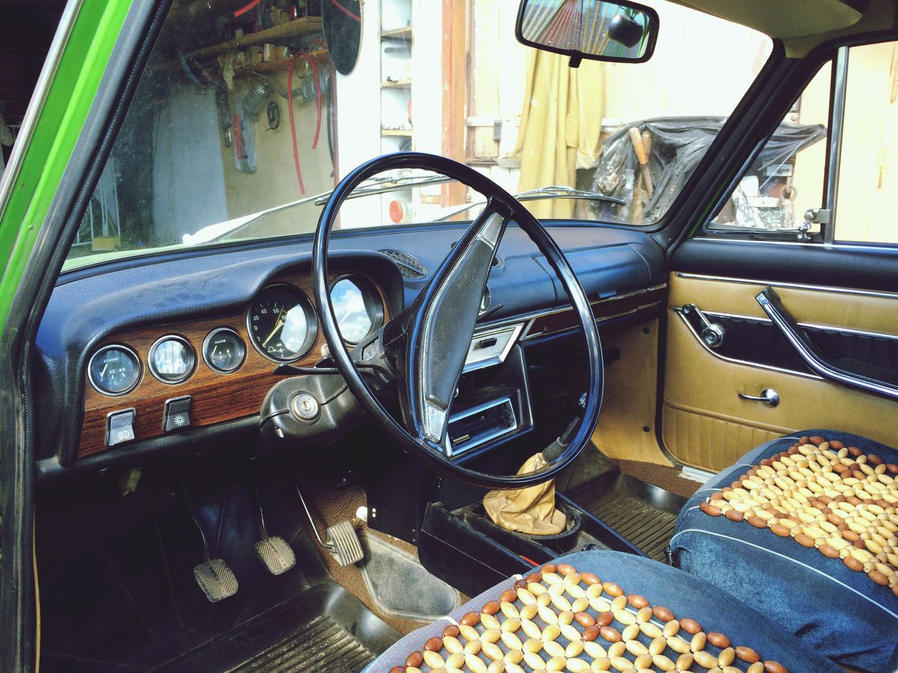 """Old car VAZ 2103 """"Troyka"""" from 1973 Car Vintage Car Old-fashioned"""