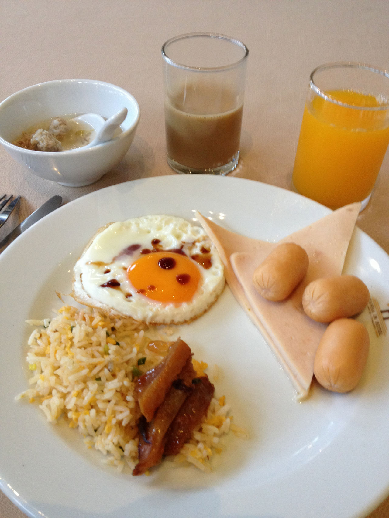 Breakfast Close-up Day Drink Drinking Glass Egg Egg Yolk English Breakfast Food Food And Drink Freshness Fried Egg Healthy Eating Indoors  No People Omelet Orange Juice  Plate Ready-to-eat Sunny Side Up Toasted Bread