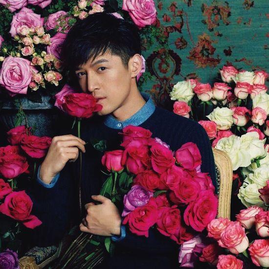 【 2:30 HIM ♥️♥️♥️】😍😍😍💐💐💐♥️♥️♥️☀️☀️☀️。。。。。。 Gentlemen Man Hansome Huge Beutiful  First Eyeem Photo Best EyeEm Shot Flowers Roses Chinese Pink Nice