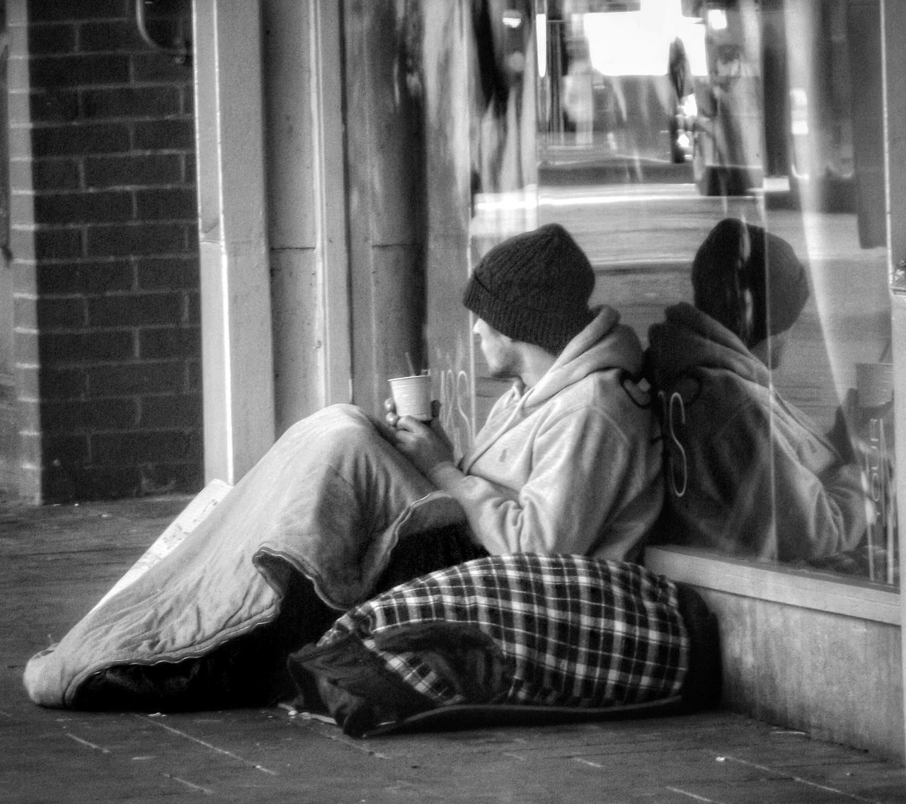 Another capture in my ongoing series people of Manchester and homeless of Manchester UK People Of Manchester Homeless Of Manchester Uk Taking Photos Fujifilm Street Photography Eyeem Streetphotography Taking Photos City Life Hdr_Collection EyeEm Documentary Photography Hdr Photography Homeless Monochrome Black And White Bnw_collection Creative Light And Shadow EyeEm Best Shots - Black + White Learn And Shoot: Balancing Elements