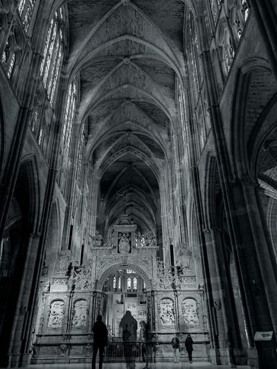 Chill Harmony Cathedral Gothic Black And White Black And White Photography Religion Place Of Worship Architecture Arch Medieval Ceiling History Indoors  Built Structure Day