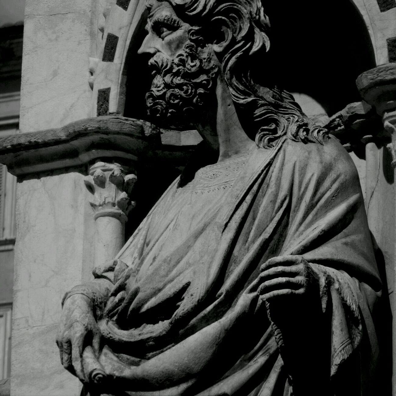 Scholar Blackandwhite Statue