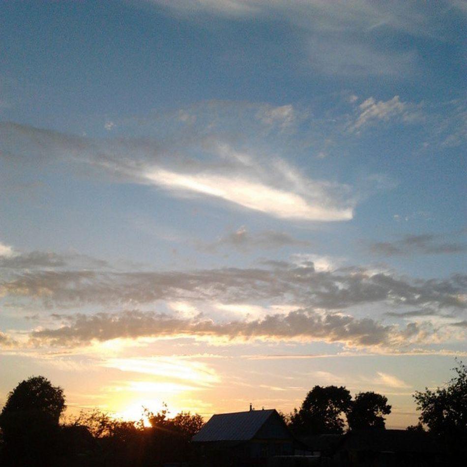 на даче наслаждаюсь закатом