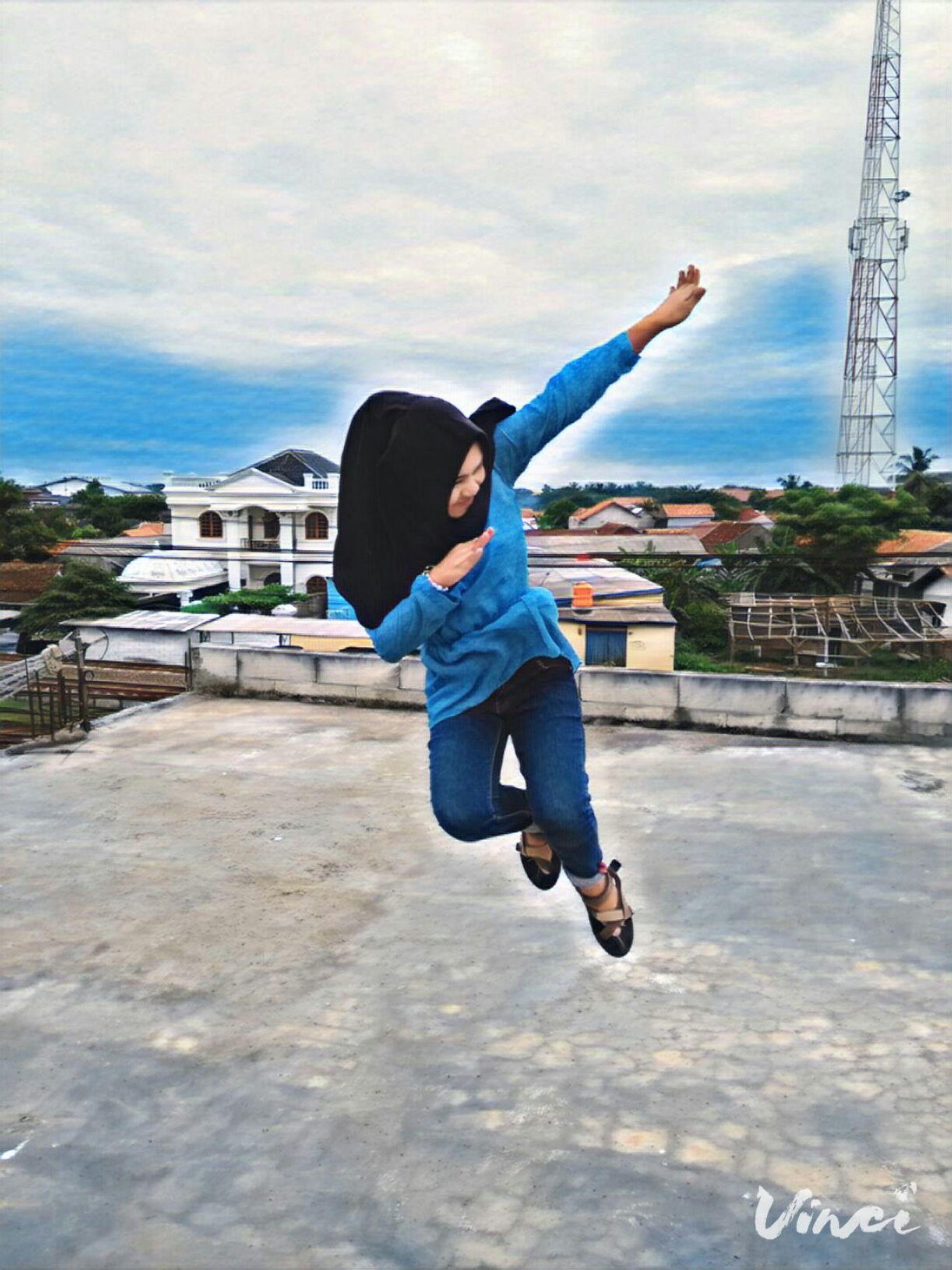 Im gonna fly like a bird through the night feel my tears as the dry 🐥🍃🎈 Full Length Motion People Sky Cloud - Sky Day Girl Power Hotgirl