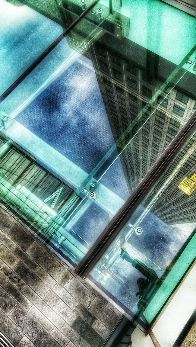 Reflection_collection Looking Down To Look Up Looking Down PhonePhotography London Trip Different Perspective Canary Wharf Outside Photography Glass - Material Reflection Selfie