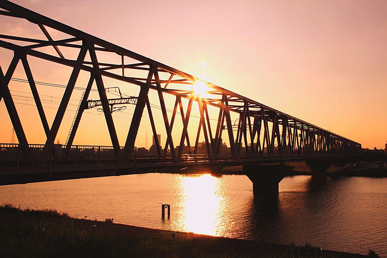 あなたをおもふ。 Sunset Silhouette あいたい スカイツリー 東京と千葉の境目 あなたがいるソラ Chiba Japan ゆうやけこやけ