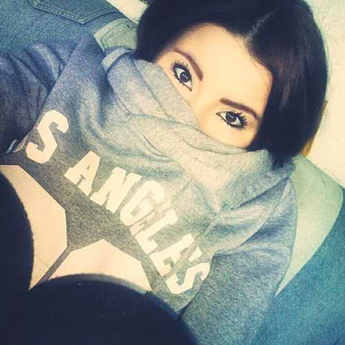 Its so cold... Brunnette Beautiful Girl Cold Days