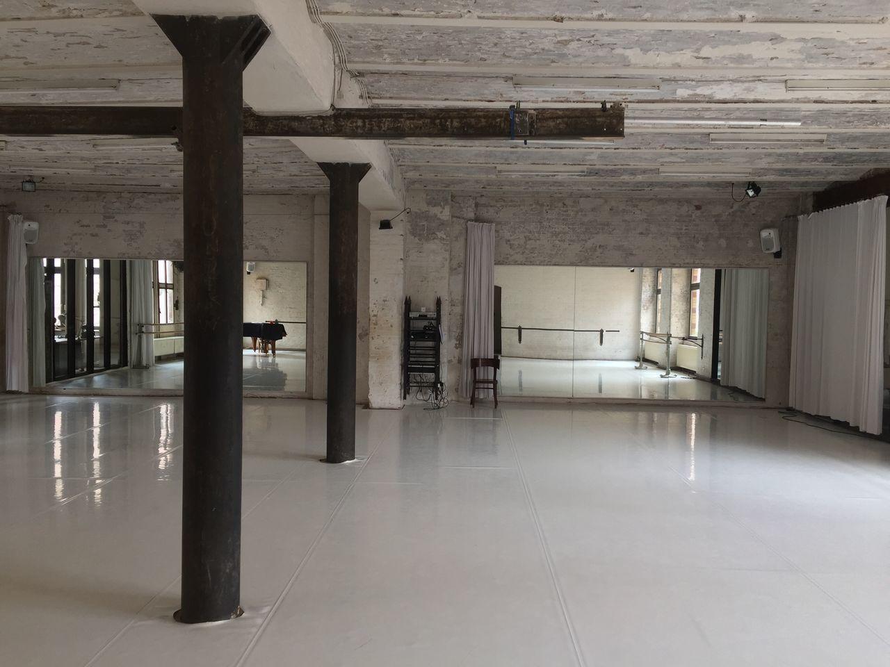 Doc11 Dance Studio Loft Indoors  Architecture Architectural Column No People Built Structure Day Berlin Dance
