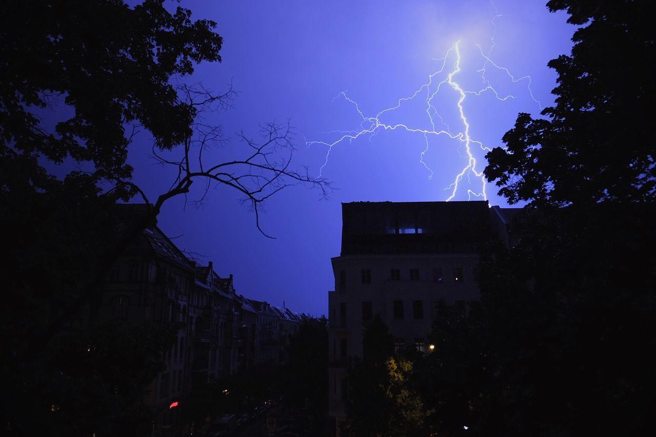 Bzzzzz ⚡️ Thunderstorm Lightning Storm