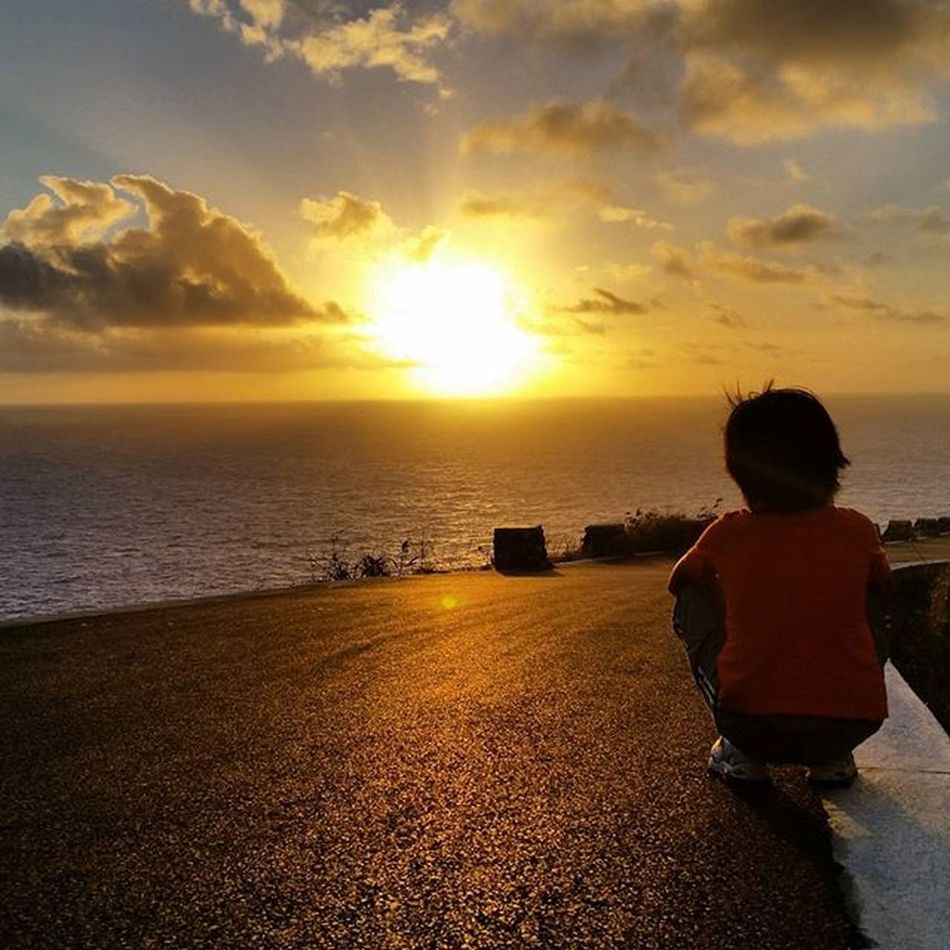 Aloha Kakahiaka! What a beautiful morning! Sun Sunrise Yellow Silhouette Makapuulighthouse Honolulu  Hawaii Sky Pretty Beautiful Oahu Orange Instagramhawaii Skyporn Cloudporn Nature Clouds Horizon Photooftheday Instagood Gorgeous Warm View Morning Instamoment instagramers instasky mornings instadaily instamood