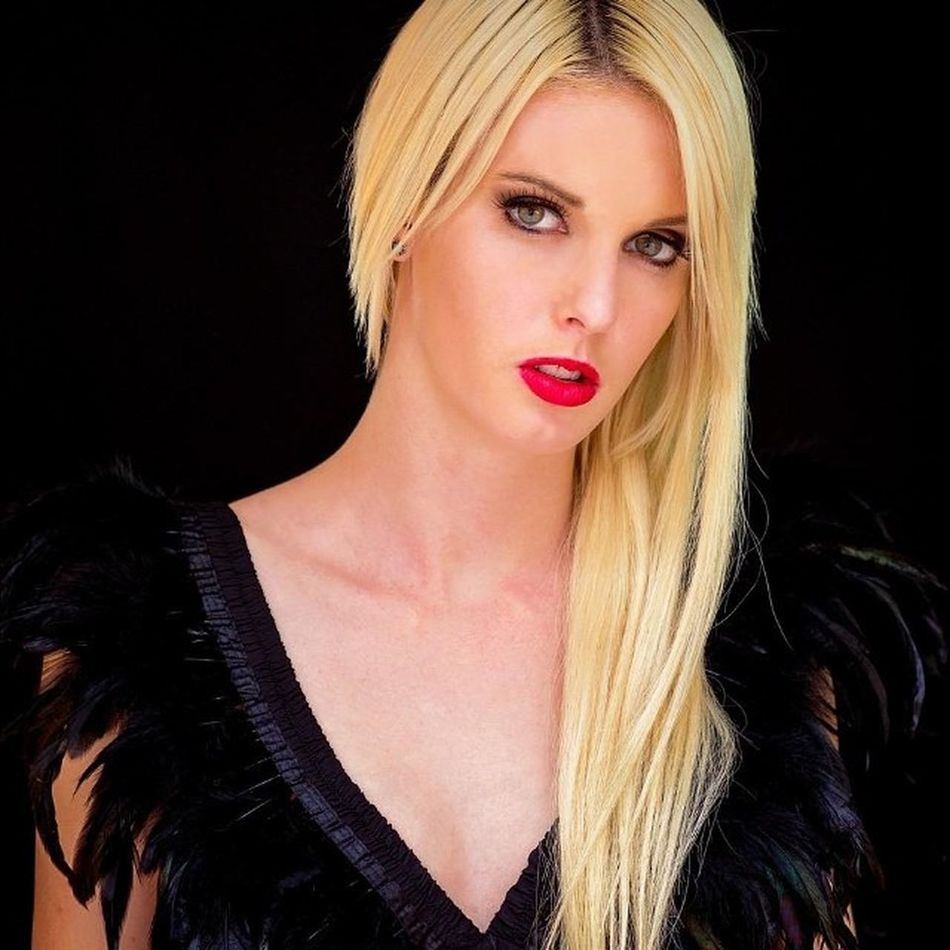 The stunning @rnrmodels @j_essicaweaver during a recent @rnrtalentdevelopment Photoshoot Photography Model Blonde Folio Jkdimagery Rnrmodels Rnrtalentdevelopment