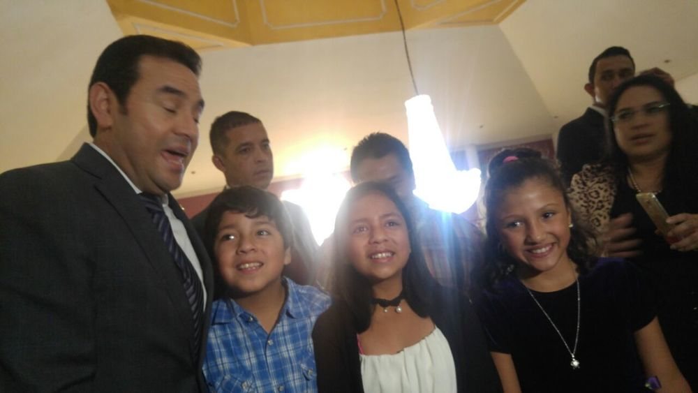 Smiling Child Presidente PresidenteJimmyMorales Guatebella Quetzaltenango Sorpresa!!!!