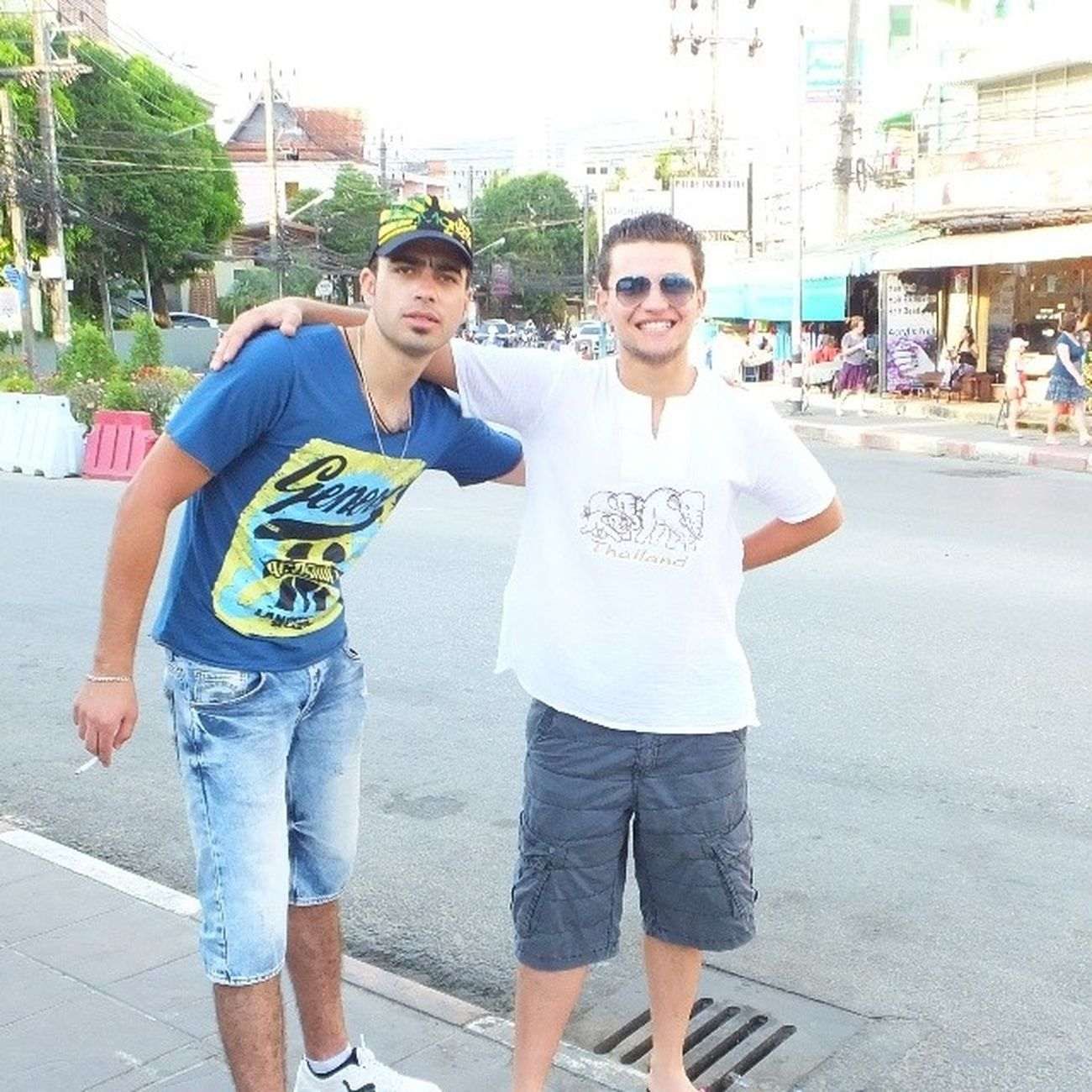 GD Morning Everybody Thailaind Thai Phuket Phuketstreets takingphoto Havingfun friends shots libyanguys