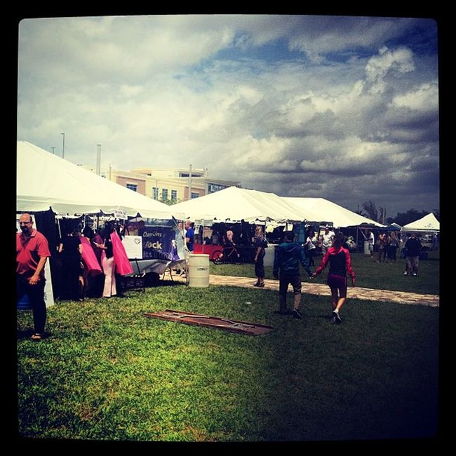 The sun is shining; the weather is sweet! Philanthrofest