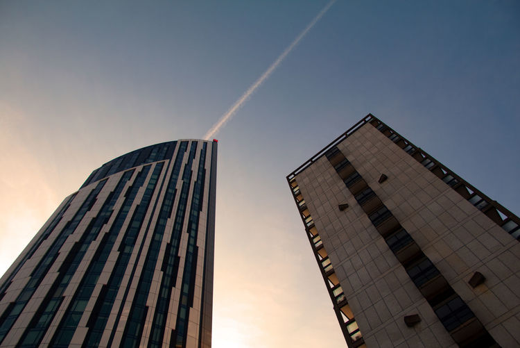 Architecture Architecture Building Exterior Built Structure Check This Out City Contrail Day EyeEm London Low Angle View Modern No People Outdoors Sky Skyscraper Soft Street Sunset Vapor Trail