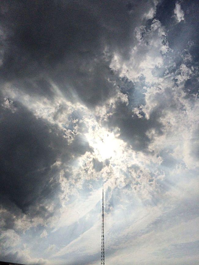 大雨后,快要飘过的乌云! First Eyeem Photo