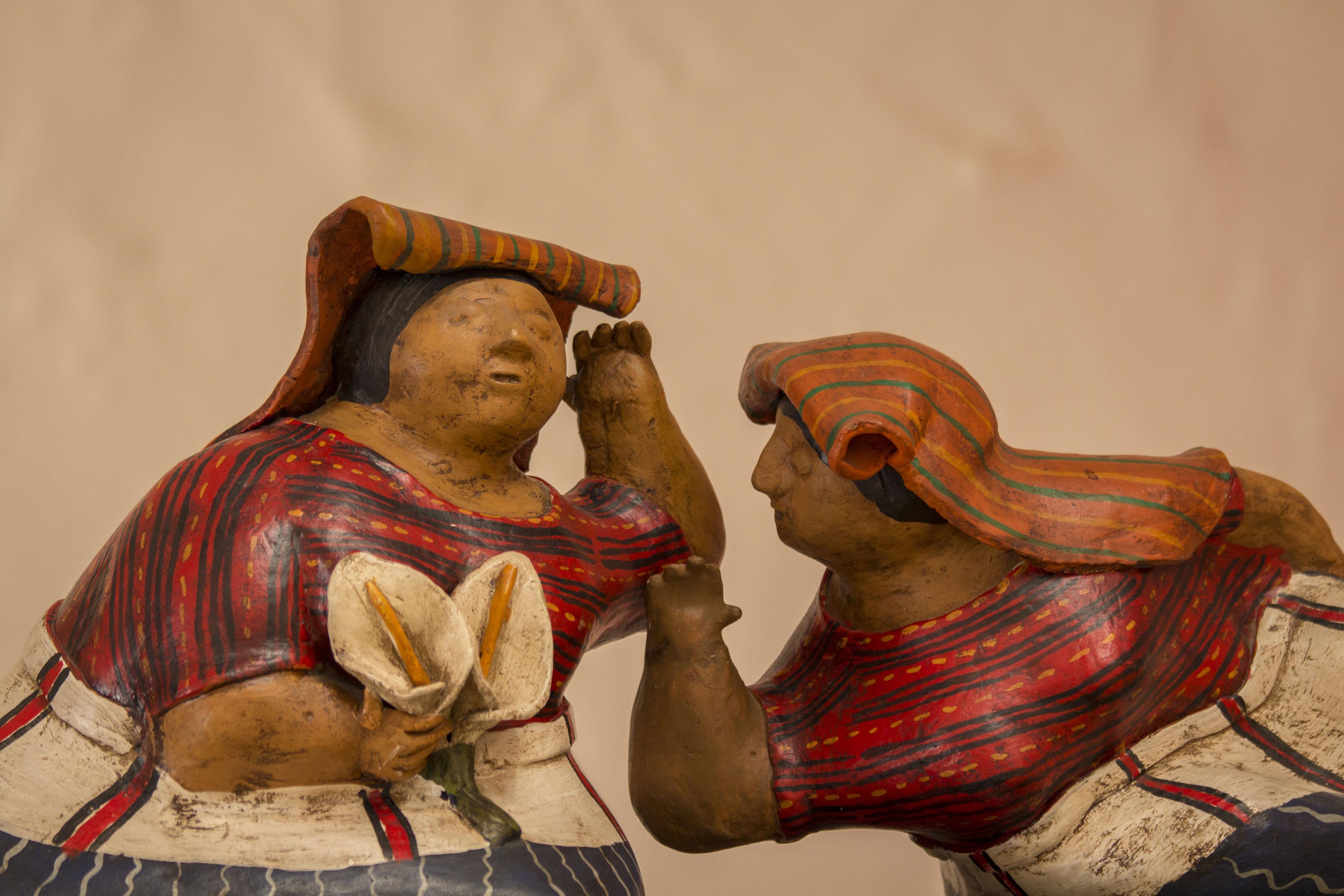 Arts Culture And Entertainment Comadres Gossip Gossip Girl Guatemalan Crafts Guatemalan Indigenous People Handycraft Sculpture Statue