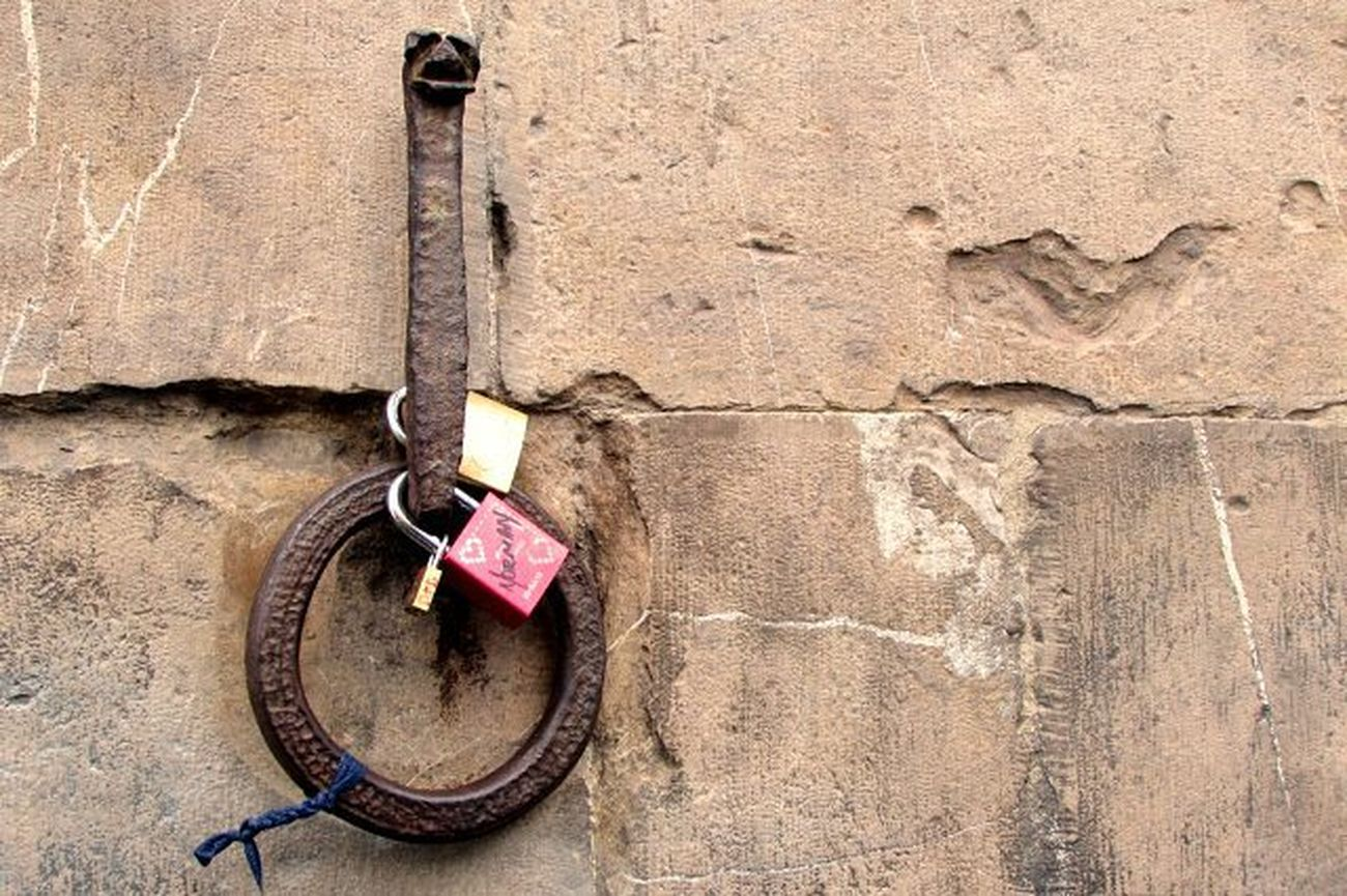 Seen in Florence Pontevecchio Fiumearno Arno  Firenze Italy Italia Lock Lovelock Bridge
