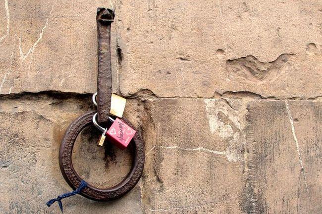 Seen in Florence Pontevecchio Fiumearno Arno  Firenze Italy Italia Lock Lovelock Bridge