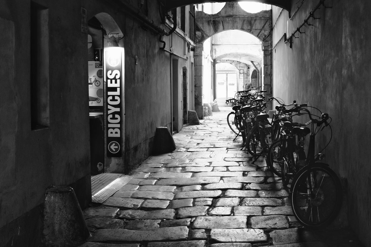 architecture, built structure, bicycle, the way forward, no people, day, building exterior, outdoors, bicycle rack
