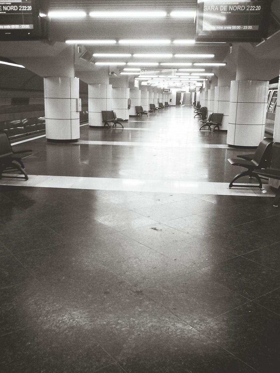 Waiting for the Subway... Eyeemblack&white Taking Photos Blackandwhite Notes From The Underground Metro City Life Monochrome