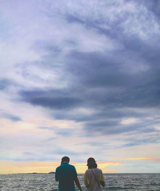 Lifestyles Sea Togetherness Vacations Cloud - Sky Travel Sky Sunset Couple - Relationship Water Person Tourism Love Lovely Together Is Better  First Eyeem Photo