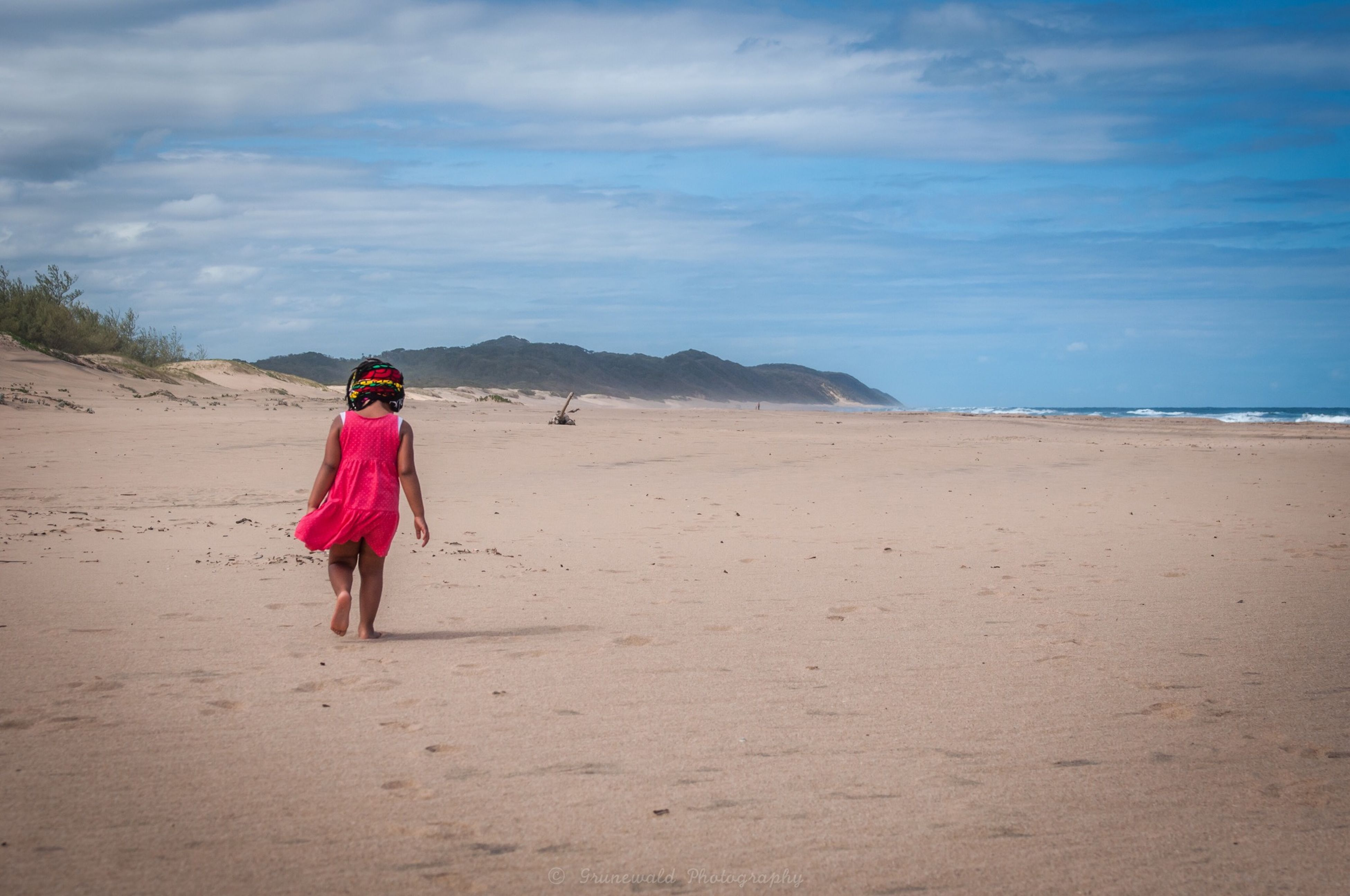 full length, sand, rear view, casual clothing, beach, sky, leisure activity, lifestyles, walking, childhood, shore, standing, tranquility, nature, vacations, girls, boys, tranquil scene