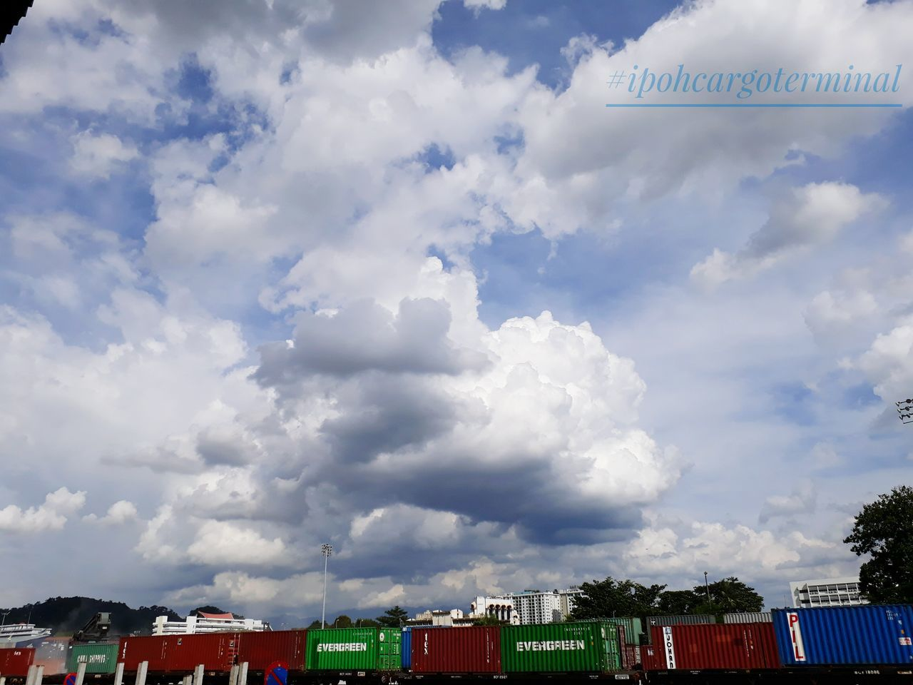 Cloud - Sky Business Finance And Industry Sky No People Outdoors GalaxyJ7Prime Transportation Stack Freight Train Freight Transportation Lokomotive Environment Cargo Container Industry Day