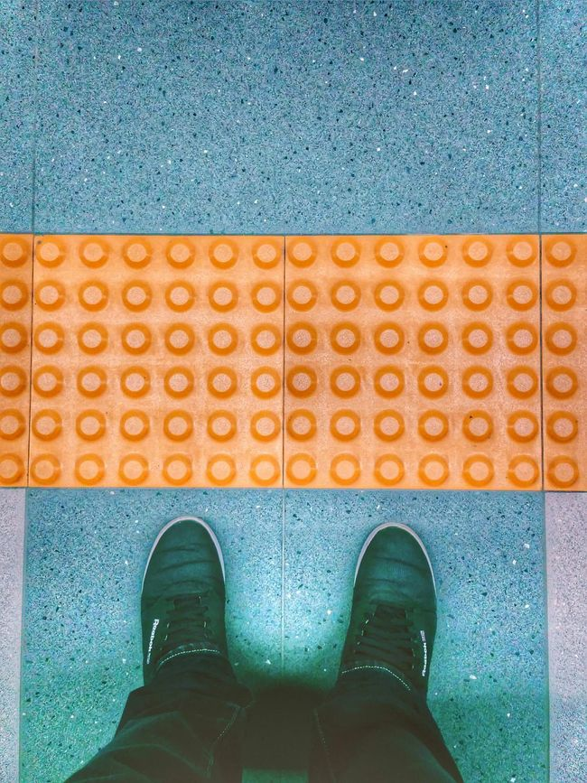 Waiting for the subway Subway Subway Station Metro Station Yellow Line Waiting Feets My Feets Feetselfie Check This Out Taking Photos Hanging Out Samsungphotography