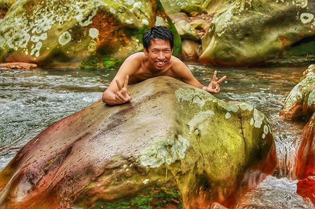 Peace edisi sayang dibuang Stone Beutiful  Bogor GunungBunder Funny Bodyrafting Greatview Love Beach Nature Natural Indonesian Panorama Landscape Explore Exploreindonesia Hunting Art Chasinglight Photograph Latepost Streetphotography Waterfall Candid Water jalanjalan niceview bestfriend bridge troll