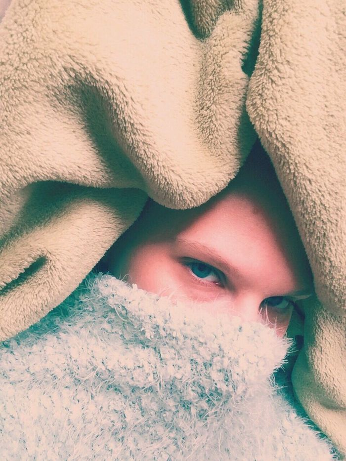 Self Portrait Female Iphonography Iphoneonly Colorflash Green Iceblue Hidden Blanket Framing Composition Laid