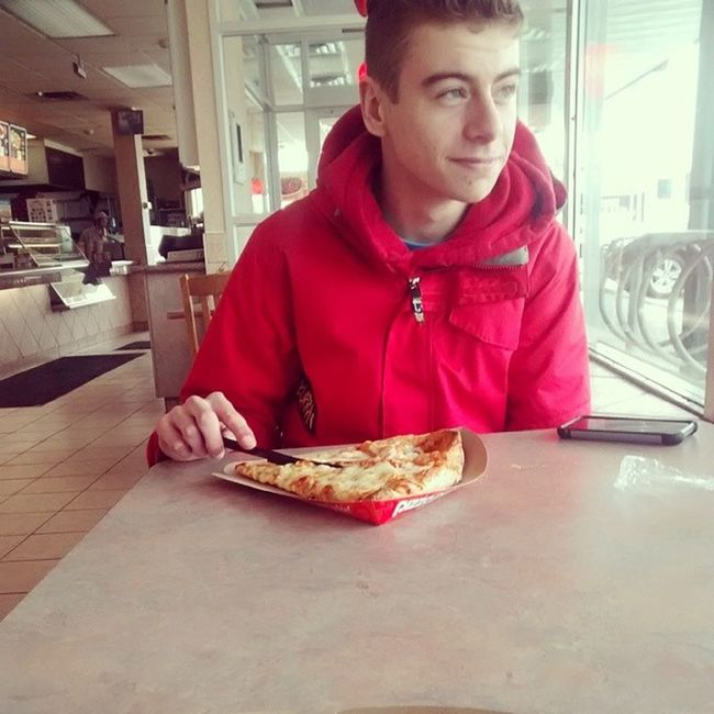 Pizza with the nigga @brandonnhl ! Homie Pizzadate Swaggy Thatface sogood foodporn