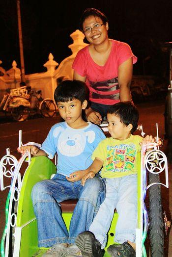RePicture Motherhood Hello World Jogjakarta Becak INDONESIA the guardian angel