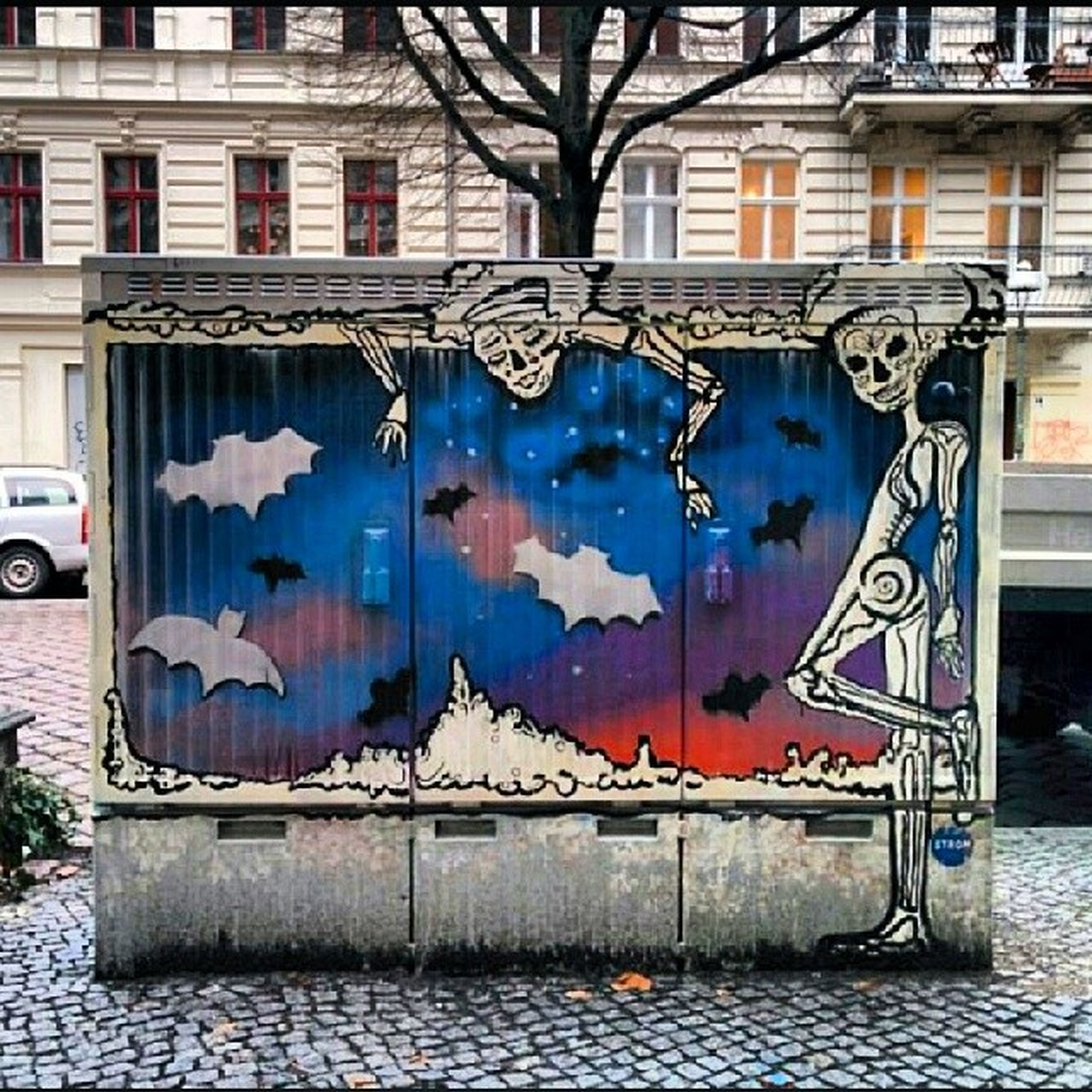 graffiti, building exterior, architecture, built structure, art, art and craft, creativity, wall - building feature, window, street art, multi colored, day, building, wall, outdoors, street, no people, house, city, vandalism