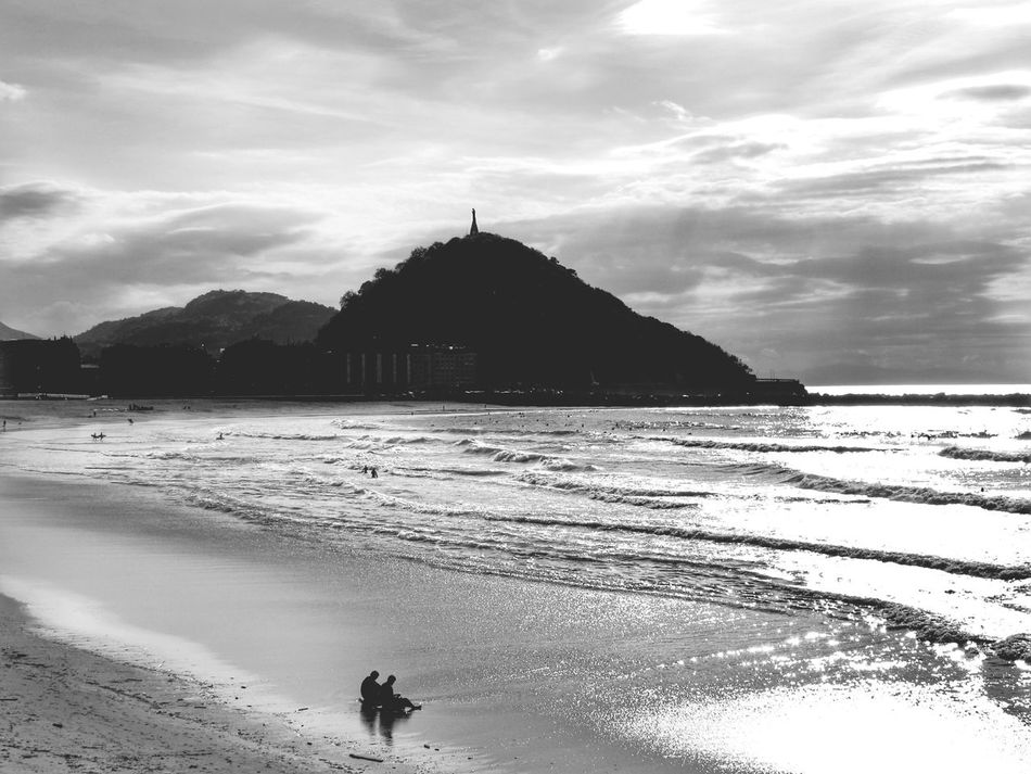 Waiting for waves...black and white afternoons. Surfing Sea Capture The Moment AMPt_community Streamzoofamily Outdoors Vscocam Sea_collection Blackandwhite Tadaa Community EyeEm Best Shots - Nature Bnw_collection Beachphotography