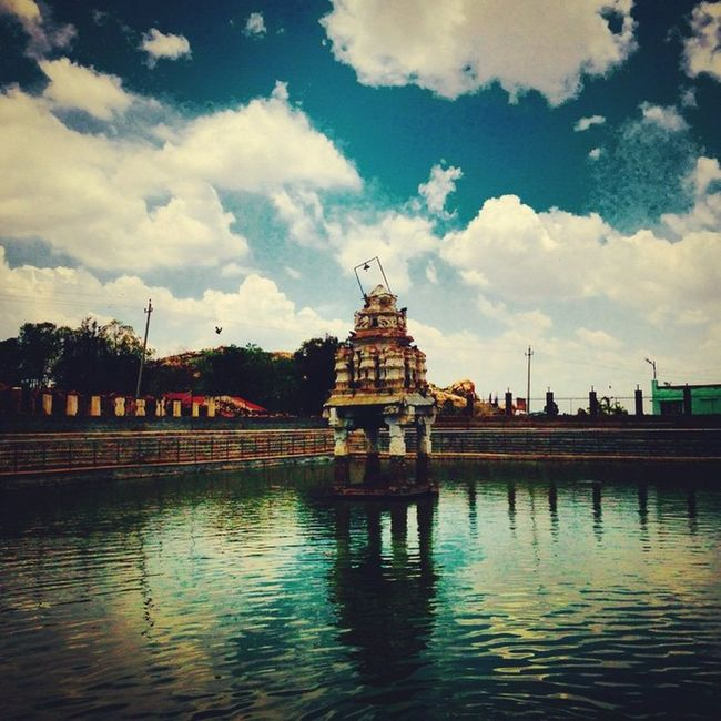 click from ma new iPhone IPhone Temple Friendz VSCO Vscocam Namma_bengaluru Namma_karnataka Nammakarnatakamemes Ssunshot Instapic Iris Mulbagal Ifilters @zohan.k Travel Shadowmagic Reflection