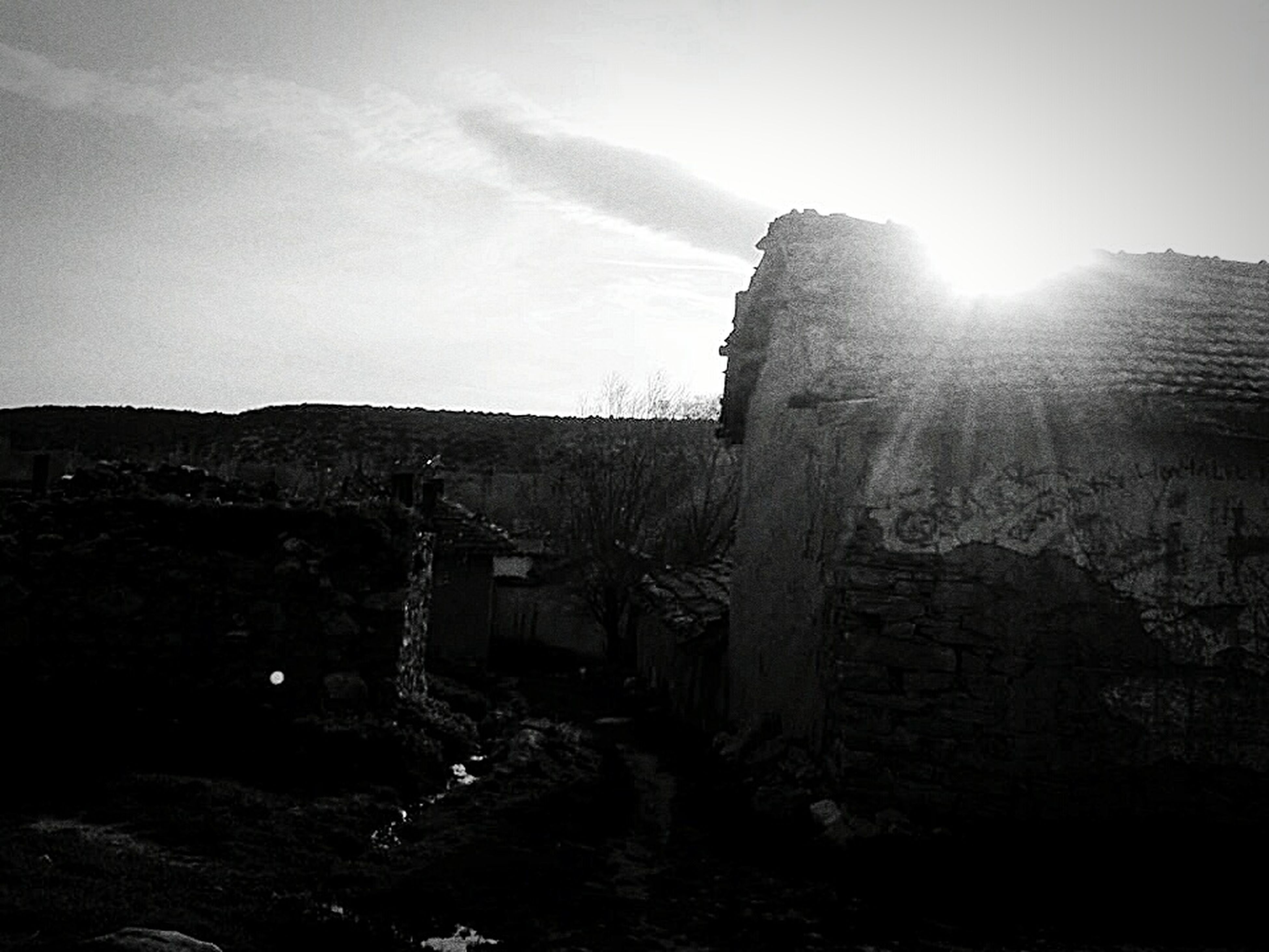 architecture, building exterior, built structure, sky, history, sun, sunlight, old, city, sunbeam, old ruin, the past, religion, lens flare, church, building, travel destinations, famous place, outdoors