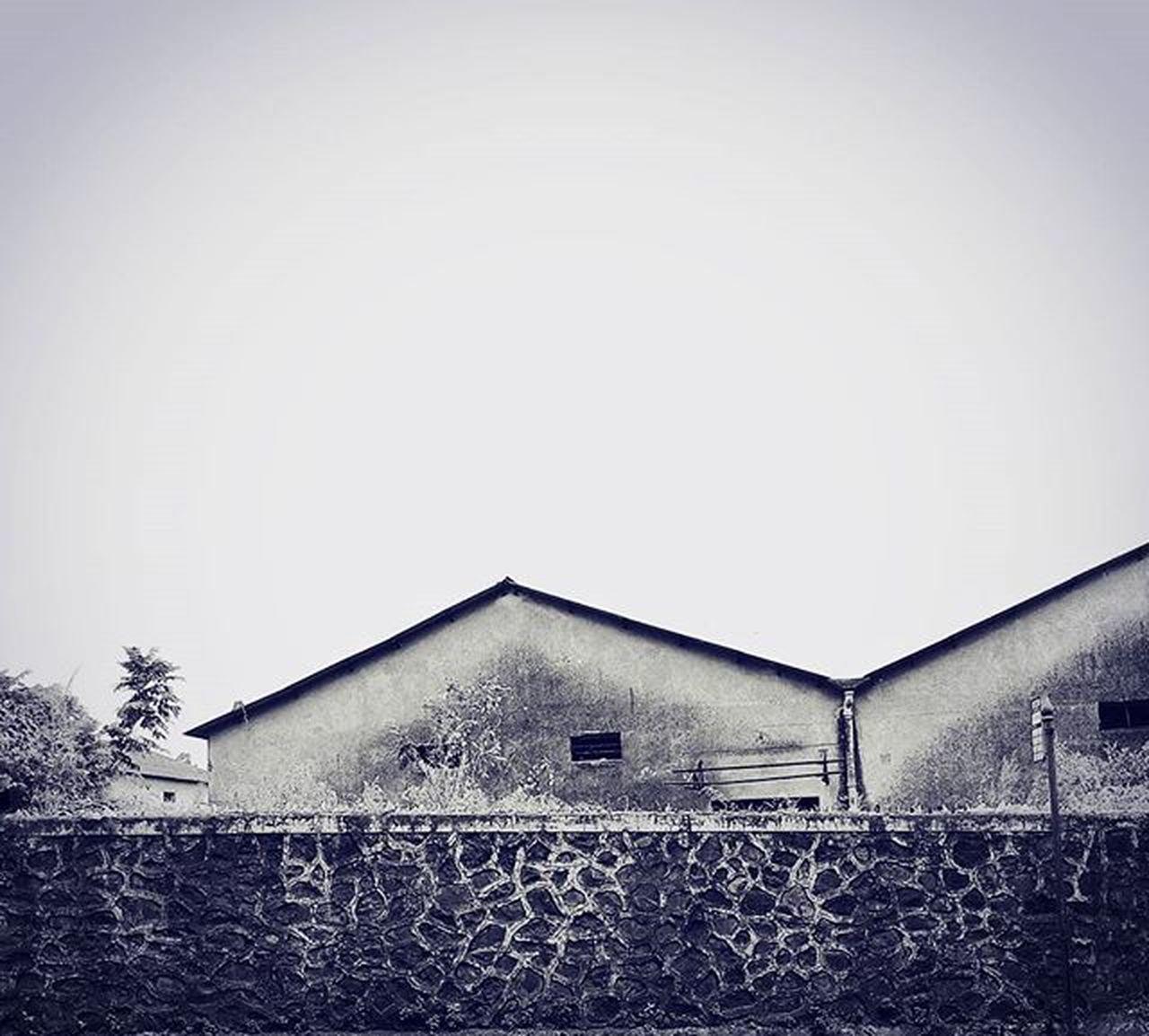 The haunted factory... Abandoned Haunted Factory Wall Seewhatotherscantsee Repostingindia Indianstories India_gram Ig_maharashtra Ig_india Ig_worldclub Indian_photographers Asusglobal Zenfone Zenfoneglobal Instadaily Instagood Instagram Asus _soi