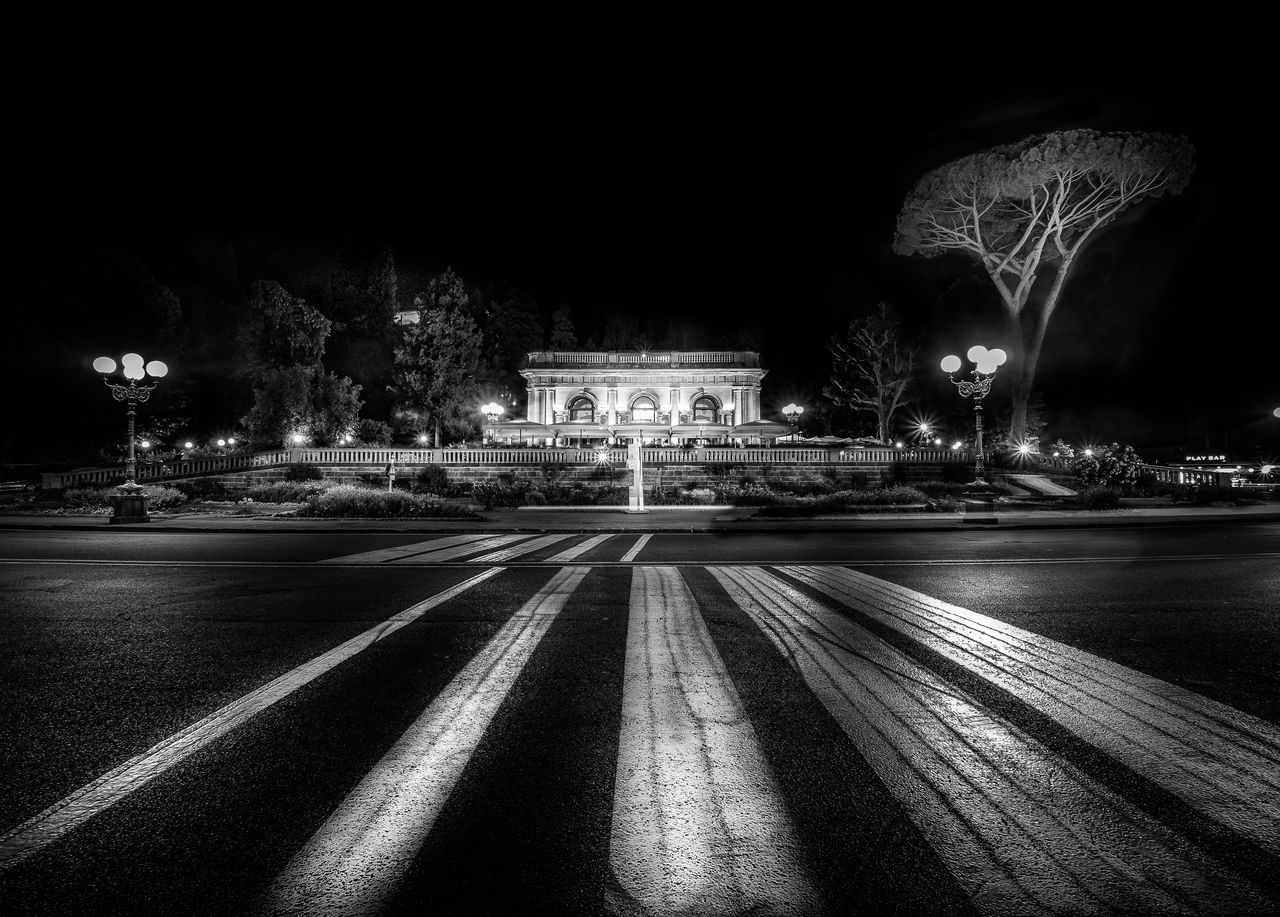 Michelangelo's Tree Architecture Blackandwhite Building Exterior Built Structure City Firenze Florenz History Illuminated Italy La Loggia Leading Lines Night No People Piazzale Michelangelo Schwarzweiß The Architect - 2017 EyeEm Awards Travel Travel Destinations Tree
