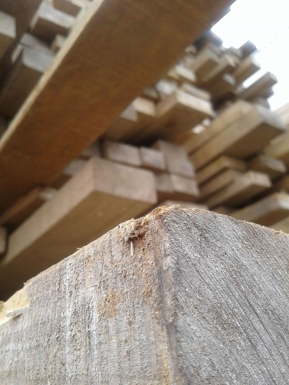 Close-up No People Day Architecture Vertical Grey Cielo Gris White Naturalcolor  Wooden Table Wood Wood Pile