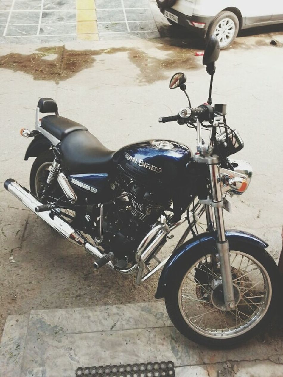 Royalenfield Thunderbird500 MyBae RideOrDie Hanging Out BikeRides Ridersforgood 😀
