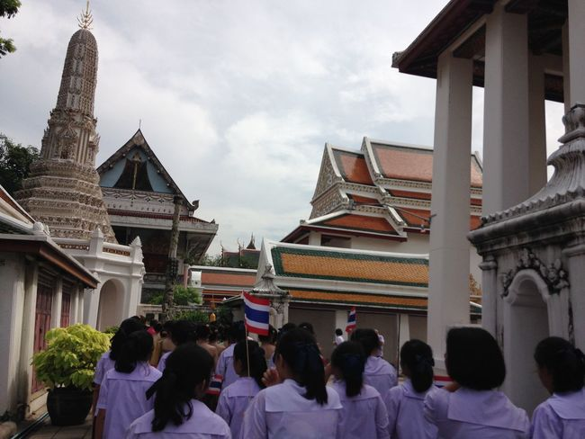 To go to temple, to go to calm EyeEm Best Shots EyeEm City Shots Temple Thailand Taking Photos The Great Outdoors - 2015 EyeEm Awards Friends Junior High School Cityscapes Buddhism