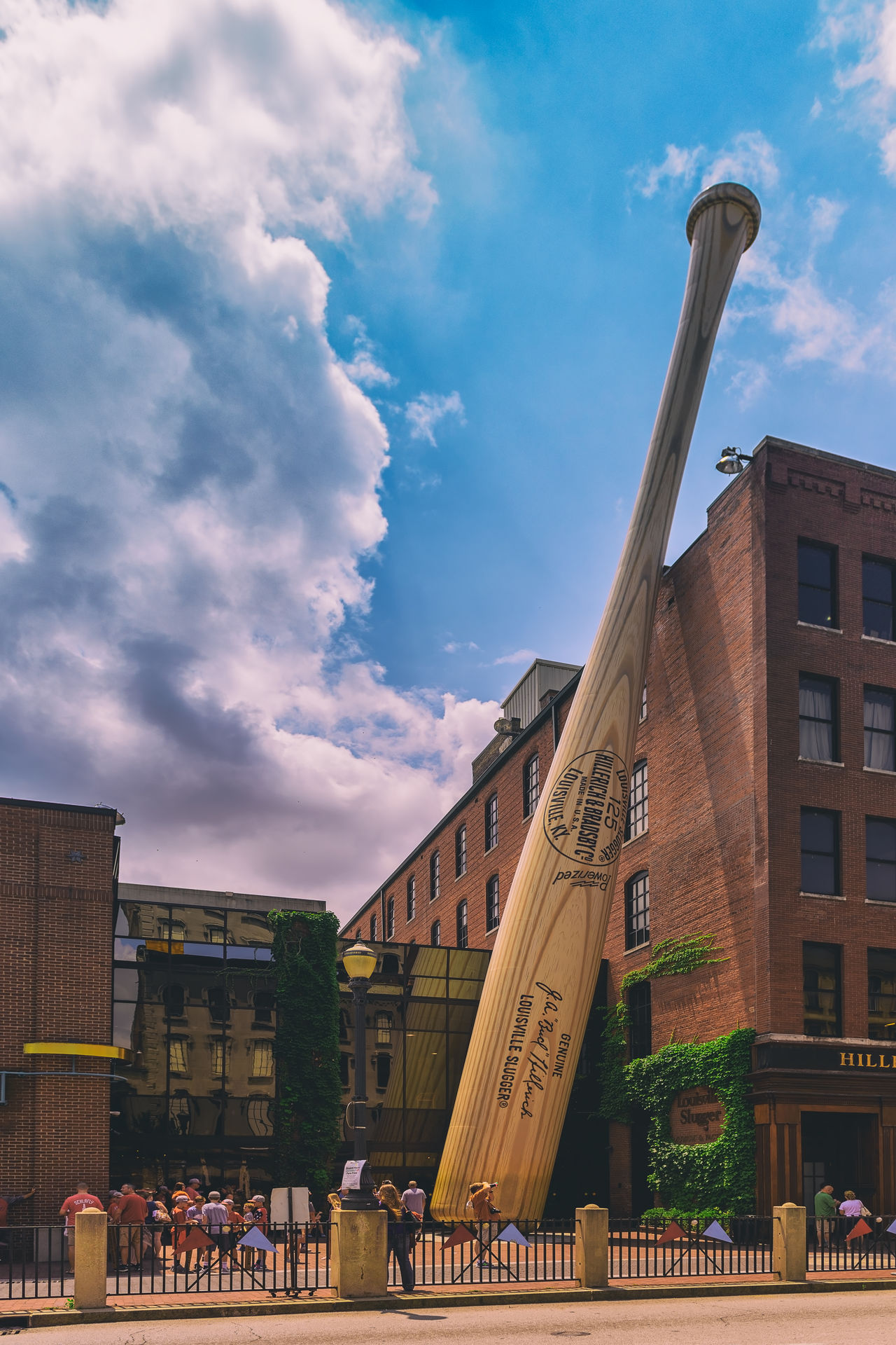 Louisville Slugger Museum & Factory Louisville, Kentuck Slugger Museum & Factory, Slugger Museum, Architecture Kentucky, USA Louisville MidWest USA Architecture Building Exterior Built Structure City Cloud - Sky Day Outdoors Real People Sky