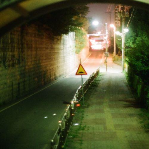 Byeongjeom DeepNight Streetphotography Hello World Hi! Taking Photos Film Photography Filmcamera Kodak Color Plus200 Nightphotography NIKON FE2 35mm Camera 35mm Film