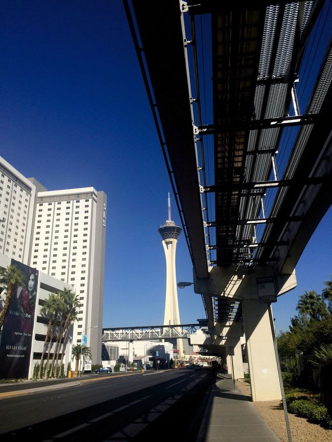 Stratosphere Streetphotography Monorail