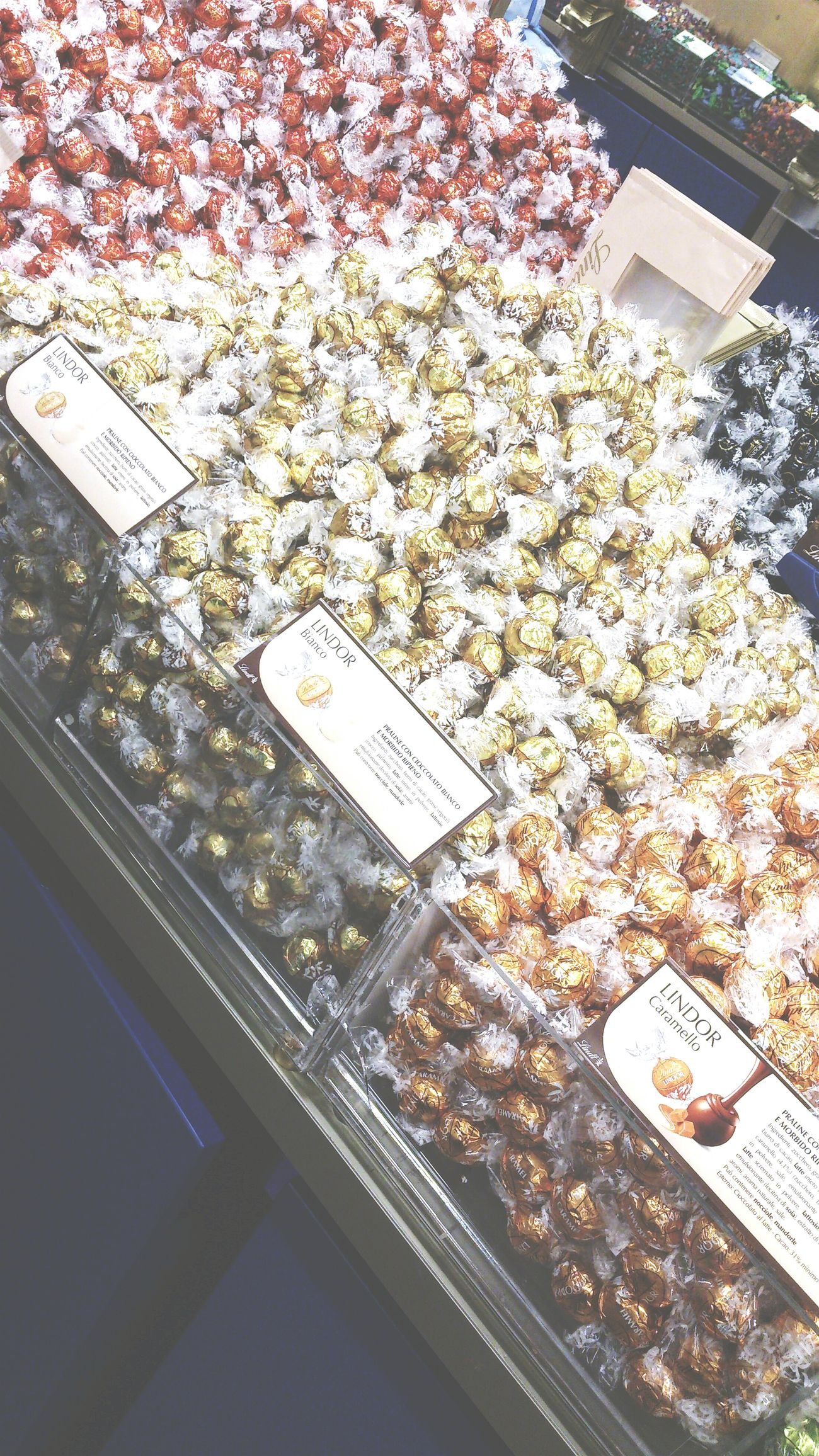 Lindt !¡ Lindt Chocolate Outlet Love