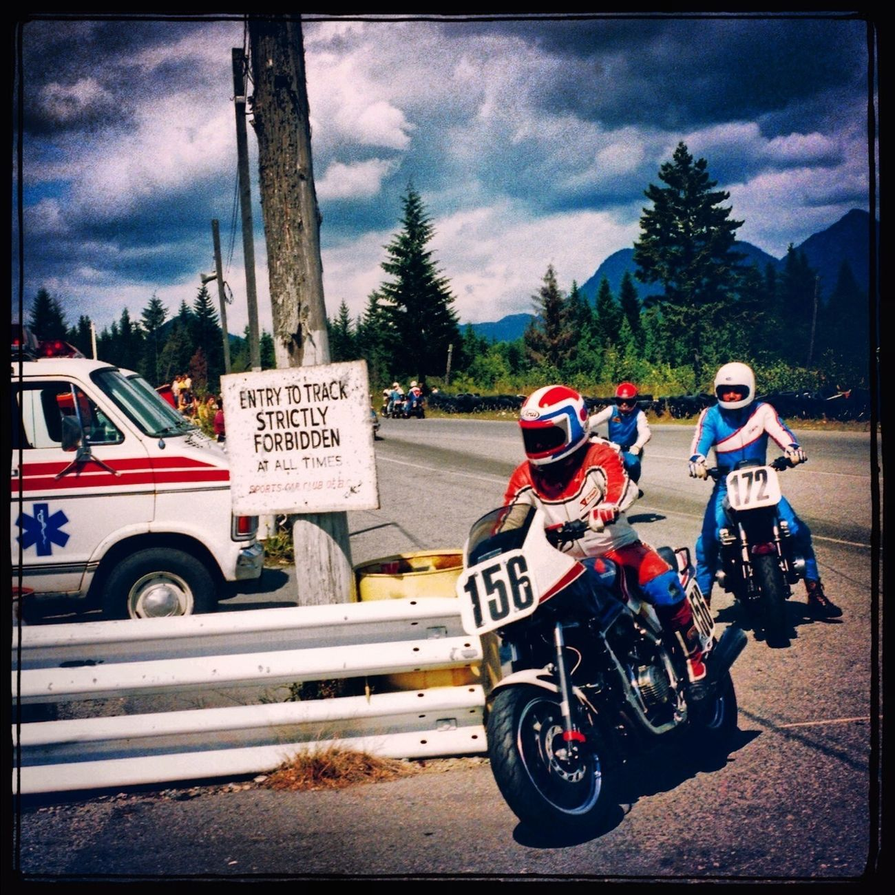 Turning back after a red flag... Westwood Mountain High Raceway 1984 Vintage Racing Classic Motorcycles